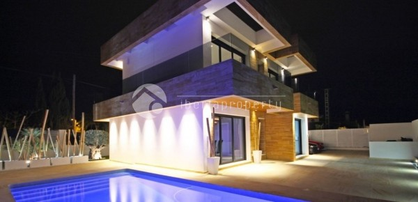 new-modern-villa-built-in-La-Nucia-2.jpg