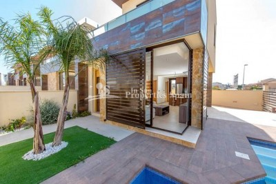 576855-villa-for-sale-in-san-pedro-del-pinatar-1.jpg