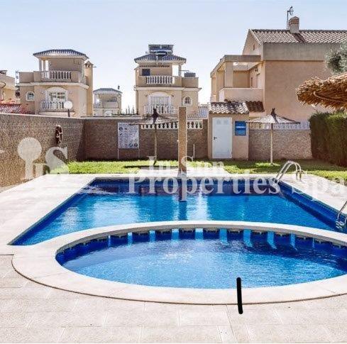 15014_piscina.jpg